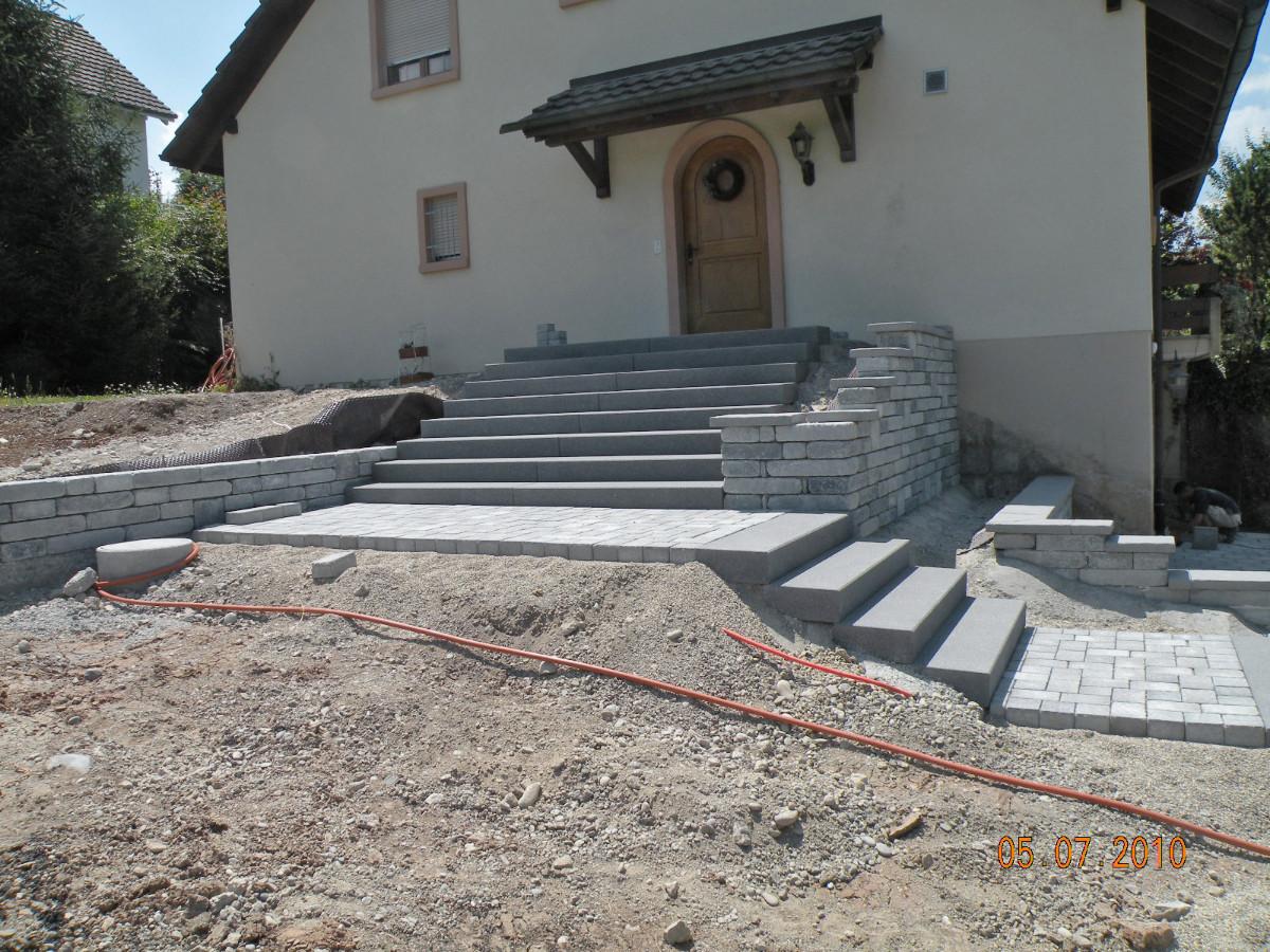 Gartentreppen zuber gartengestaltung for Gartengestaltung treppe
